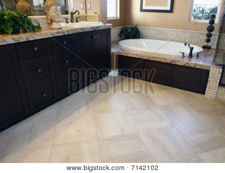 Luxurious bathroom floor