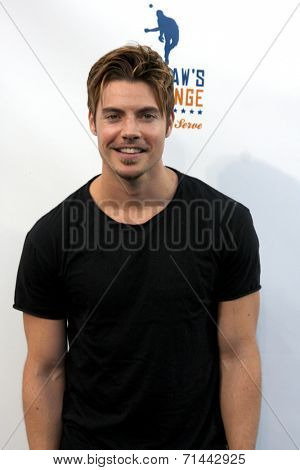 LOS ANGELES - SEP 4:  Josh Henderson at the Ping Pong 4 Purpose Charity Event at Dodger Stadium on September 4, 2014 in Los Angeles, CA