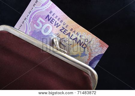 NZ Notes in a Purse