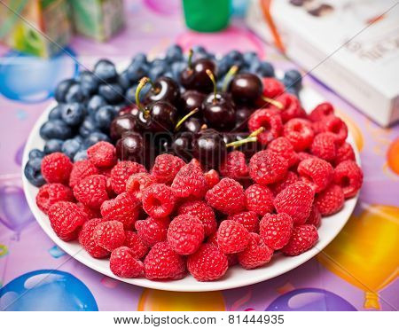 Mix fresh berries on a plate