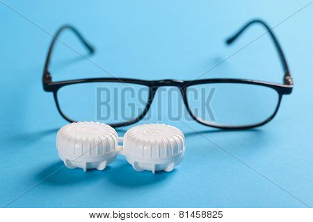Black Frame Eyeglasses And Lens Case