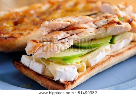 Brie And Chicken Sandwich With Apple And Marmalade