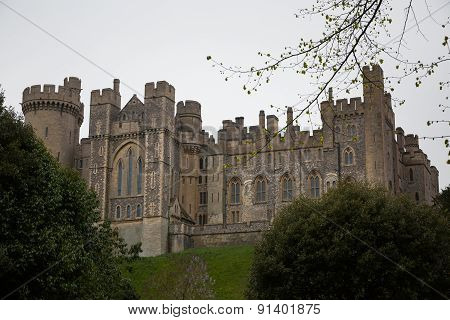 Arundel, England - Circa May 2015: A View Across The River Towards The Arundel Castle In West Sussex