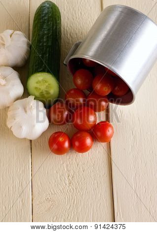 Small Cherry Tomatoes With Garlic And Cucumber
