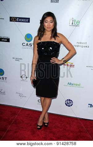 LOS ANGELES - MAY 21:  Jenna Ushkowitz at the 17th From Slavery to Freedom Gala at the Skirball Center on May 21, 2015 in Los Angeles, CA