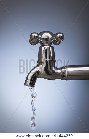 drain water from the tap Metal