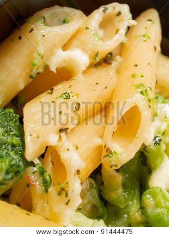 Pasta Collection - Penne With Broccoli And Mozzarella