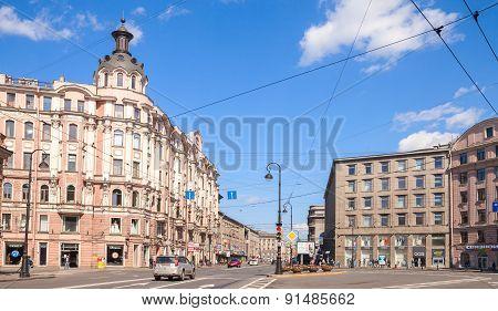 St. Petersburg, Kammennoostrovsky Prospekt