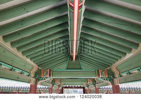 Classic Korean green roof ceiling & ceiling.