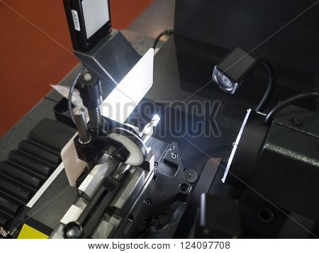 Inspection cutting tool by automate vision system