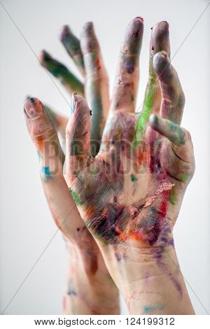 hands of painter
