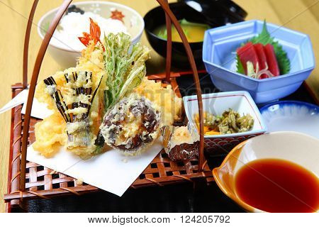 seafood and vegetable tempura on a dinibg table