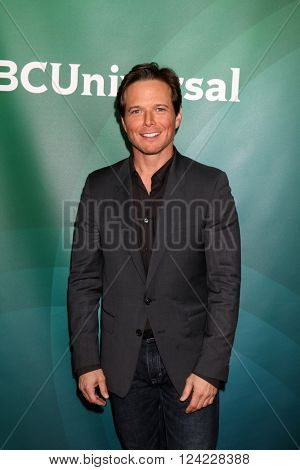 LOS ANGELES - APR 1:  Scott Wolf at the NBC Universal Summer Press Day 2016 at the Four Seasons Hotel on April 1, 2016 in Westlake Village, CA