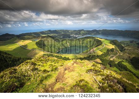 Sete Cidades Lagoa Ponta Delgada AZORES Sete Cidades is a civil parish in the centre of the municipality of Ponta Delgada that is located in a massive volcanic crater three miles across.