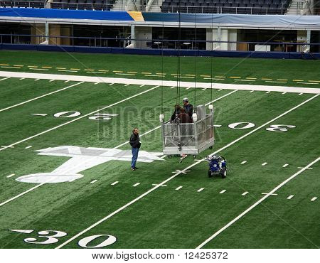 Cowboy Stadium Super Bowl Workers