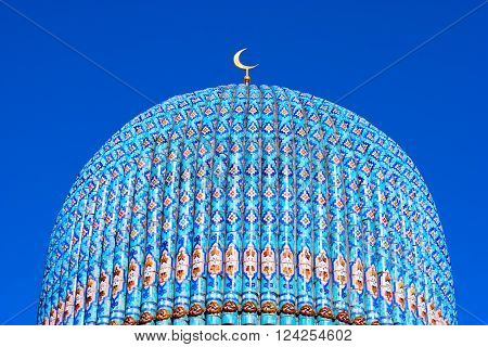 Russia. Majolic cupola of Saint Petersburg Mosque. The Mosque was built in 1921