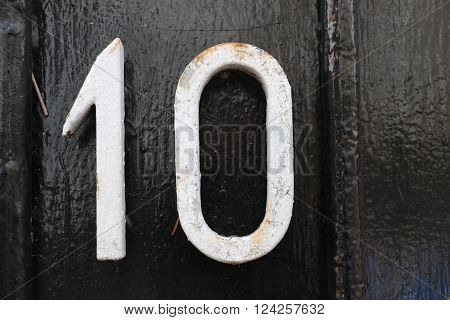 House number 10 in the city of Saint Cloud, France