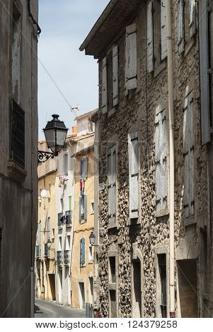 Beziers (Languedoc-Roussillon France) - A typical old street