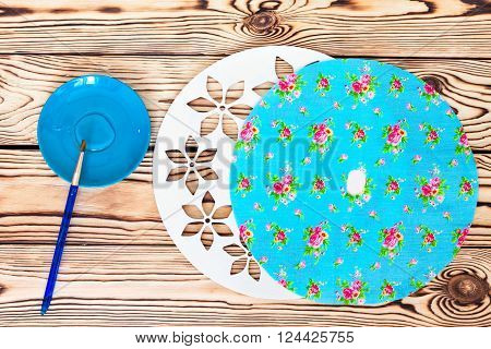 Master Class. Watch handmade. Step by step instructions for the manufacture of clocks. Painted white base clock with decorative holes. Detail of turquoise fabric for the background, glue and a brush.