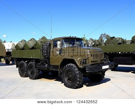 Universal minelayer based on heavy army truck