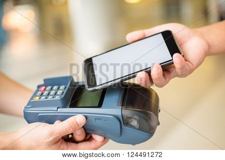 Customer pay on the pos machine by mobile phone