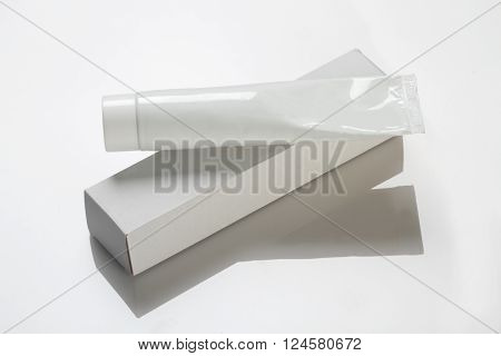 Blank White Toothpaste / Medicinal Cream Tube & Box Mockup ** Note: Soft Focus at 100%, best at smaller sizes