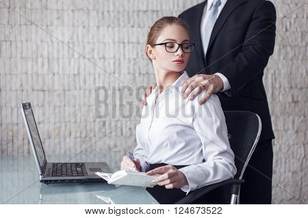 Married boss man seduce sexy secretary in office