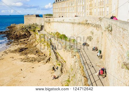 St. Malo Walls