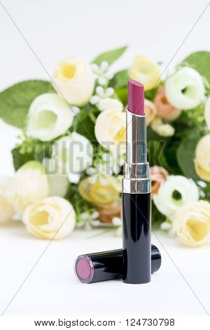 Shiny Rosy Pink Lip Stick Whit Artificail Flowers