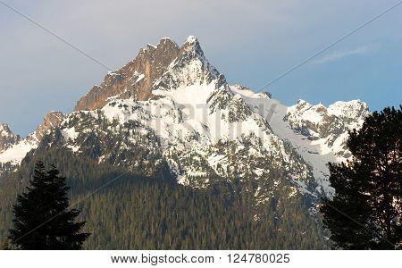 Whitehorse Mountain Top Sauk River Valley North Cascade Mountains