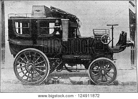 Omnibus Mail coach, vintage engraved illustration. Industrial encyclopedia E.-O. Lami - 1875.