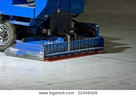 The machine for resurfacing ice