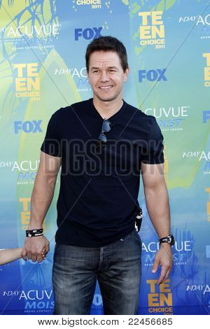 LOS ANGELES - AUG 7: Mark Wahlberg arrives at the 2011 Teen Choice Awards held at Gibson Amphitheatre on August 7, 2011 in Los Angeles, California