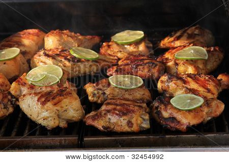 Barbecue Chicken With Lime Slice
