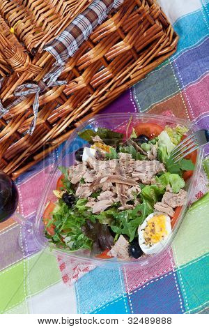 Salad With Tuna And Anchovies