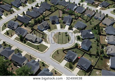 Suburban culdesac homes aerial in the eastern United States.