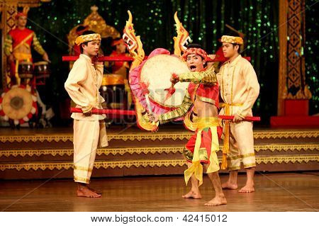 Pattaya, Thailand -  December 2012, Traditional Thai Show In A Nongnooch Garden In Pattaya