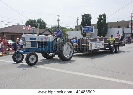 American Legion Post 106 Tractor Pulling Seymour Veterans