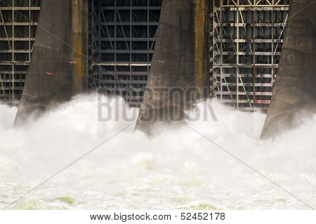 Bonneville Dam And Lock