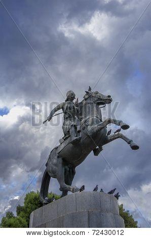 statue of greek hero