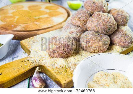 Raw Meat Balls Minced Beef Rolled Breadcrumbs