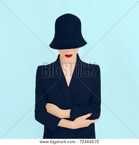 fashion portrait lady in a stylish hat