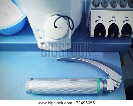 Laryngoscope On The Anesthetic Machine