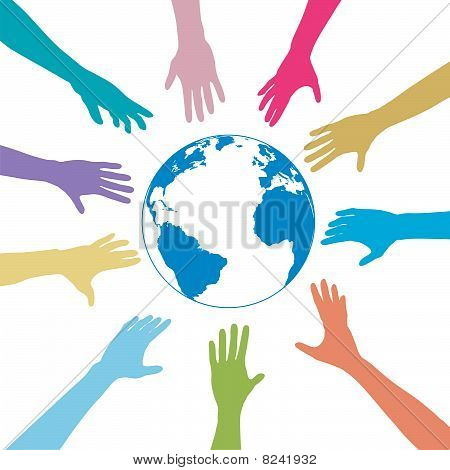 Alcance de las manos de personas colores hacia fuera del planeta tierra