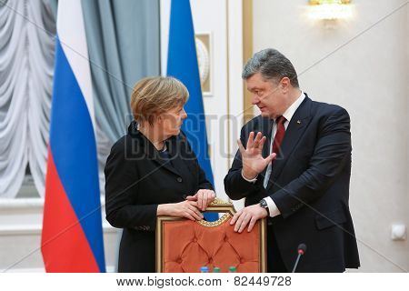 Angela Merkel And Petro Poroshenko