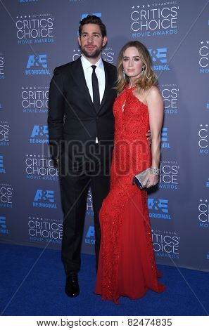 LOS ANGELES - JAN 16:  Emily Blunt & John Krasinski arrives to the Critics' Choice Awards 2015  on January 16, 2015 in Hollywood, CA