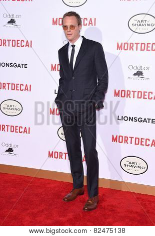 LOS ANGELES - JAN 21:  Paul Bettany arrives to the