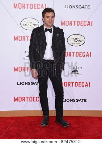 LOS ANGELES - JAN 21:  Ewan McGregor arrives to the