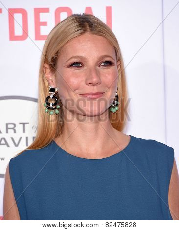 LOS ANGELES - JAN 21:  Gwyneth Paltrow arrives to the