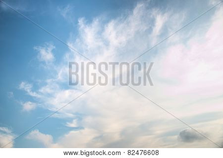 Abstract white cloud over blue sk background